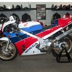Honda RC-30 1990 (2)